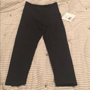 Beyond Yoga Smooth and Support Capri Legging NWT